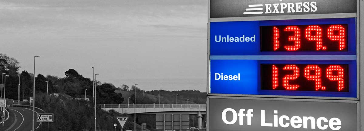 Esso_1_LED_gas_price_display2